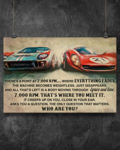 Poster Car racing there's a point at 7000 RPM
